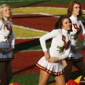 thumbs usc song girls 2009 rose bowl 01