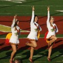 thumbs usc song girls 2009 rose bowl 02