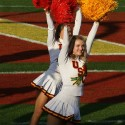 thumbs usc song girls 2009 rose bowl 04