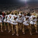 thumbs usc song girls rose bowl 050