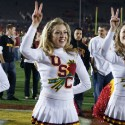 thumbs usc song girls rose bowl 055