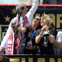 thumbs uswnt world cup parade 8