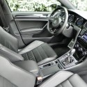 2015-volkswagen-golf-r-interior-3-aoa1200px