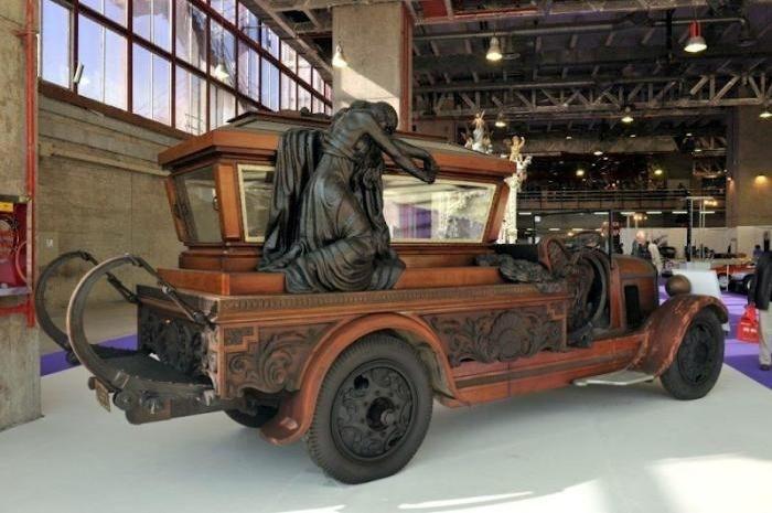 crazy-hearse-12.jpg